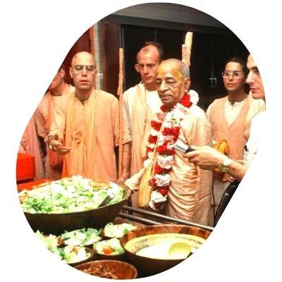 food donation at iskcon delhi